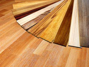 Laminat in Holzoptik gibt es in vielen verschiedenen Ausführungen!